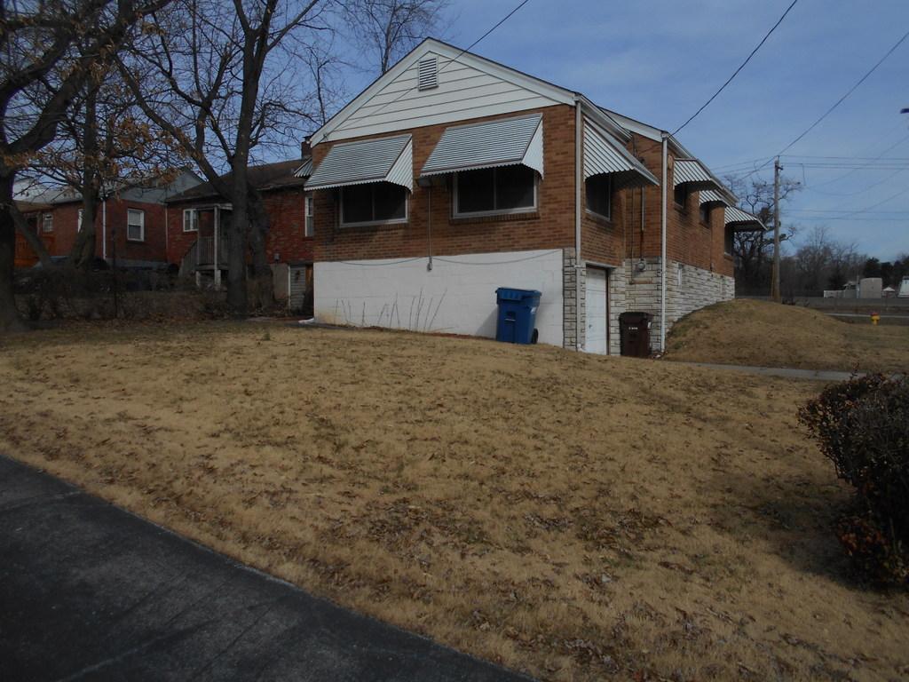 7080 Lillian Ave St Louis Mo 63121 Hybrid Real Estate