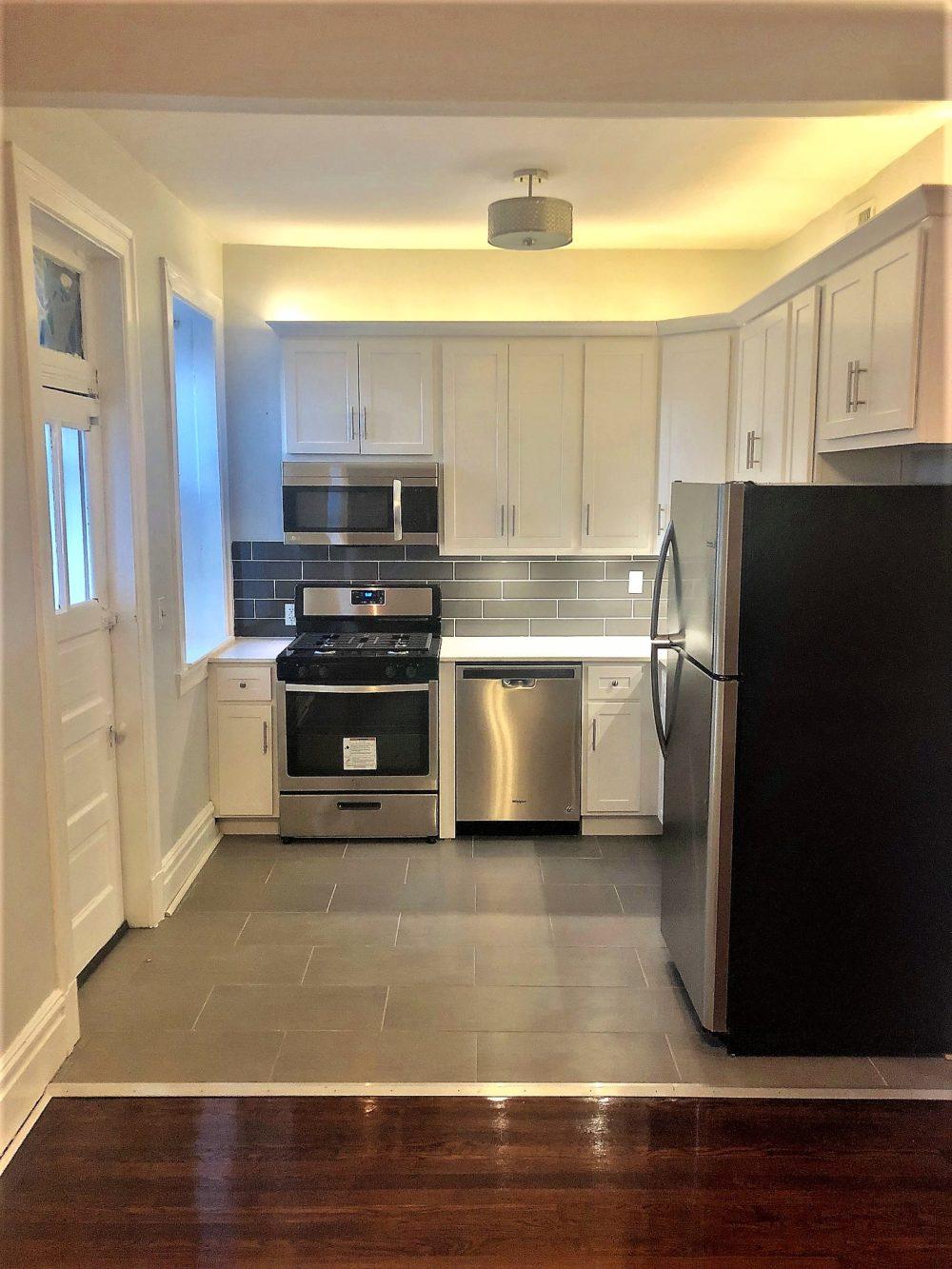 4222 Cleveland Kitchen 2