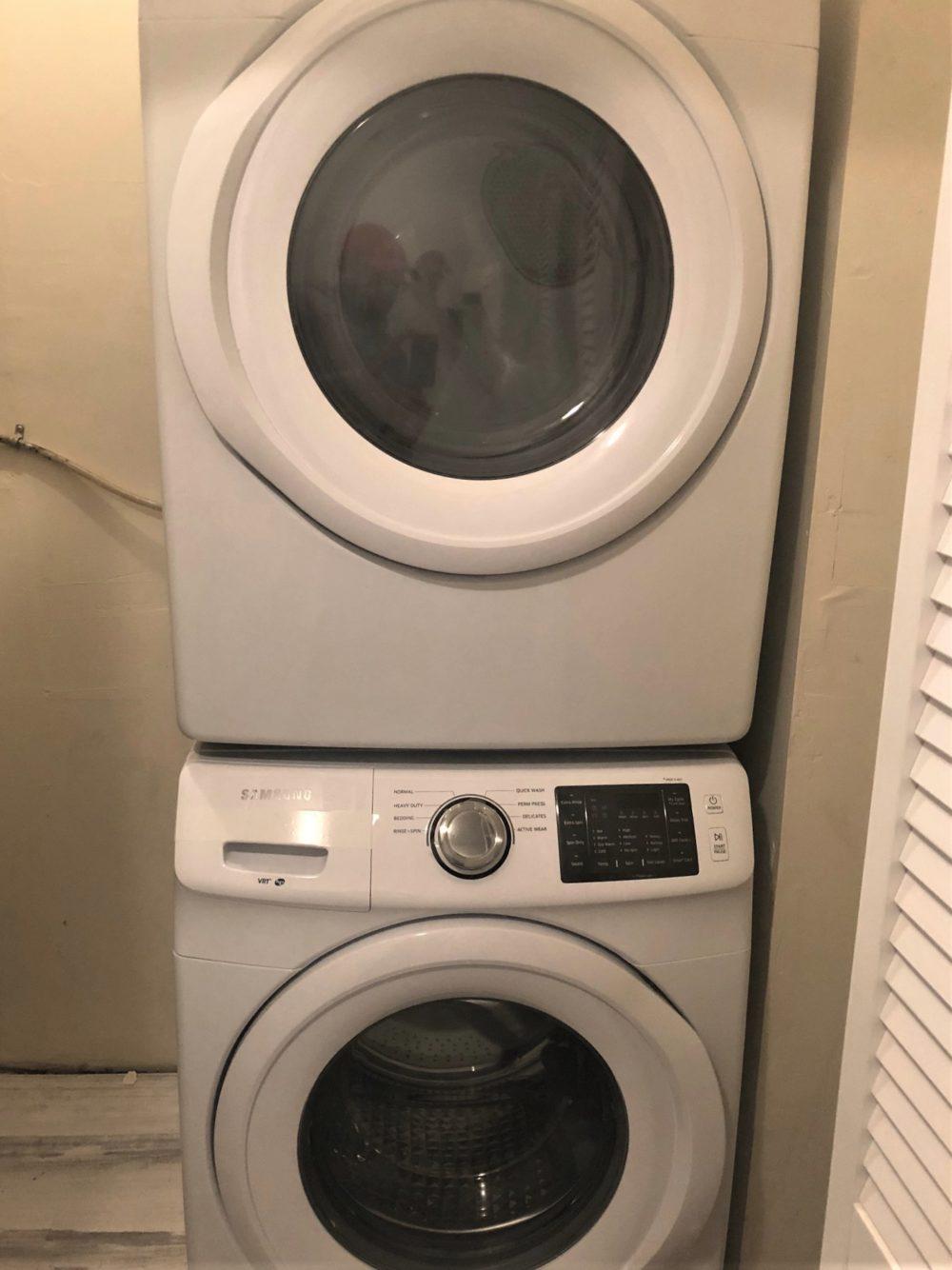4222 Cleveland Laundry