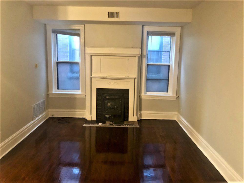4222 Cleveland Livnig Room