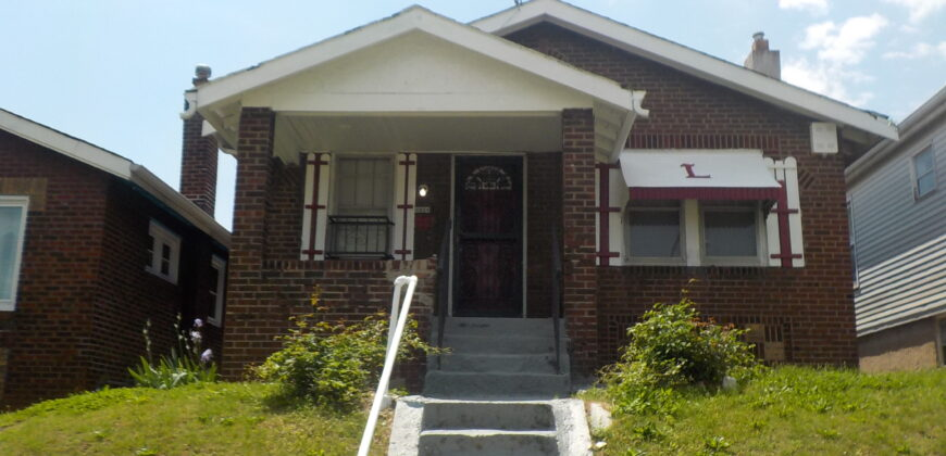 4864 Calvin Ave St Louis, MO 63115