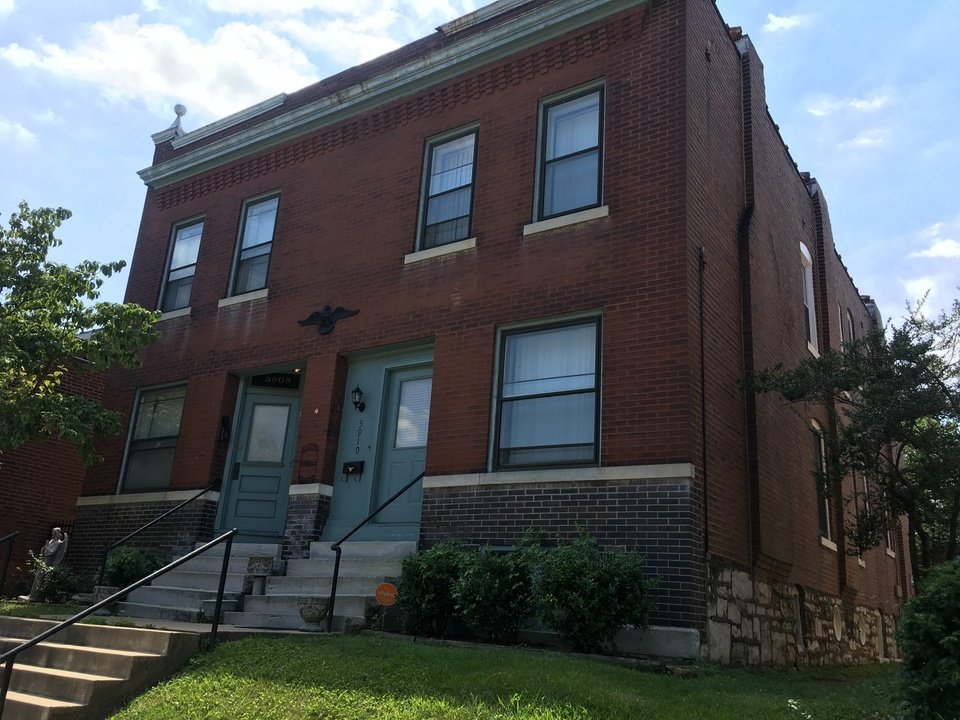 3908 Flad Avenue 2nd Floor St. Louis, MO 63110