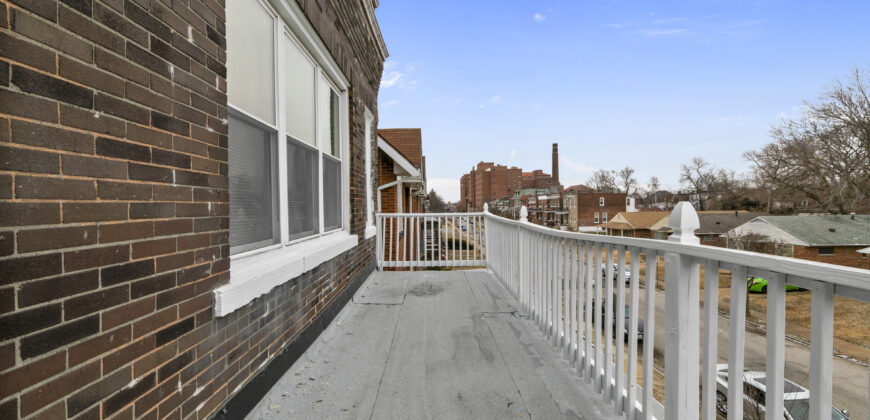 5201 Highland Ave 2ND FLOOR St. Louis, MO 63113