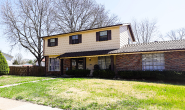 5646 Hidden Cove Lane, Florissant 63034