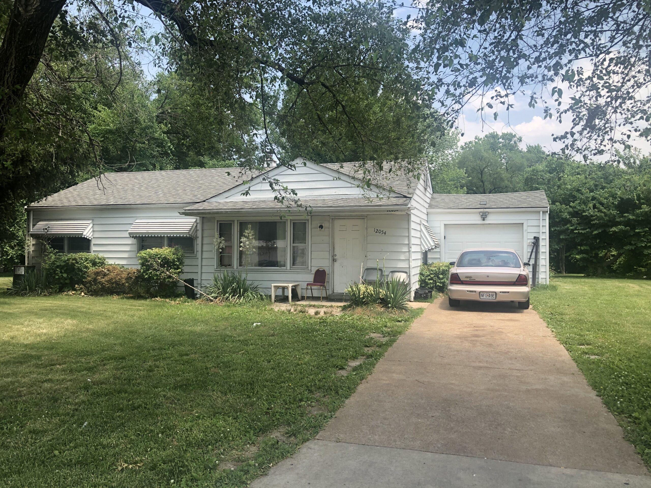 12054 Bellefontaine, St Louis, Missouri 63138