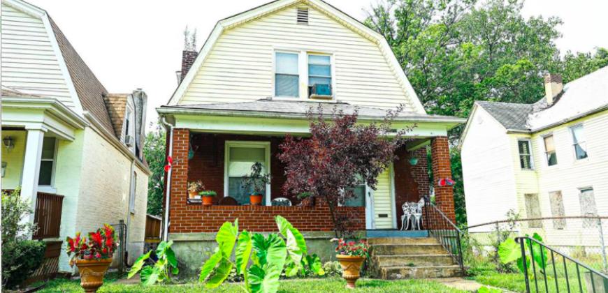 6208 Bailey, St Louis, MO 63121-5602